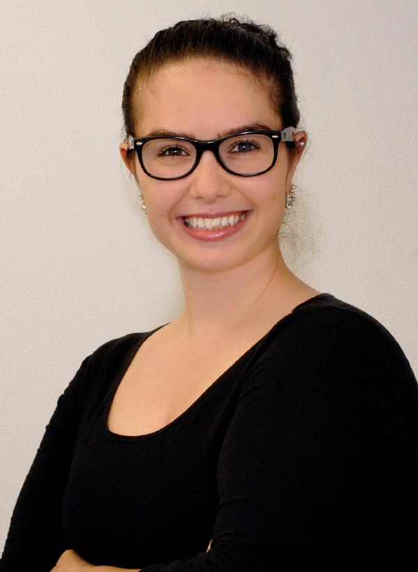 Hausarzt-Deggingen-Jung-Team-Elif-Guener